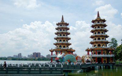 高雄:左營 | 蓮池潭。充滿東方神秘色彩的龍虎塔